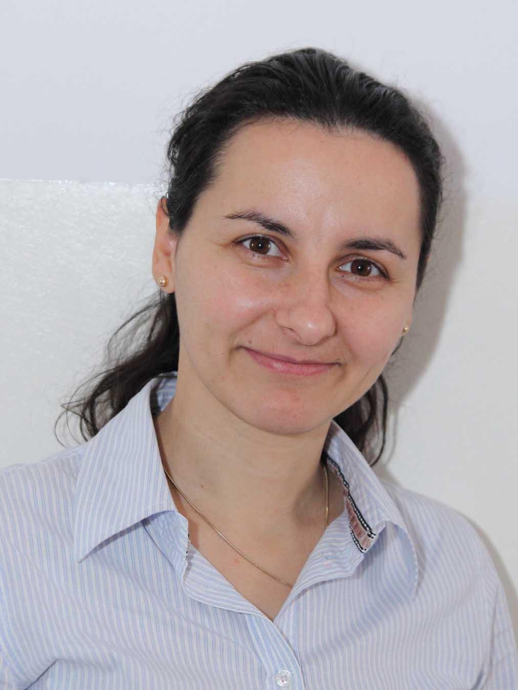 01 Mihaela Prunaru - profesor logoped, psihoterapeut